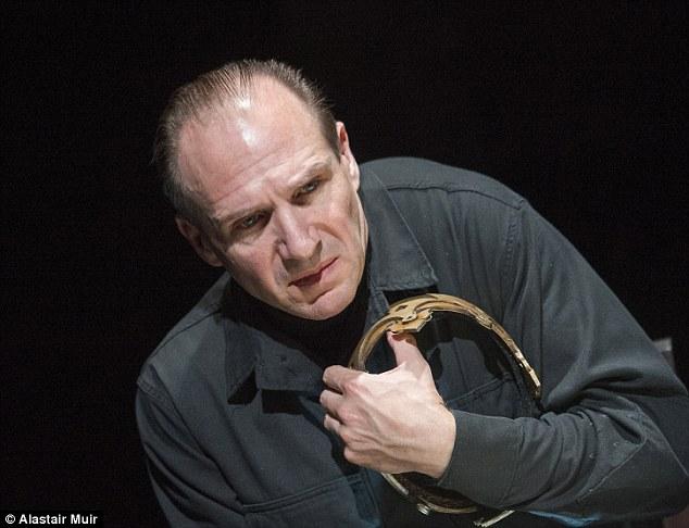 """Ralph Fiennes in """"Riccardo III"""""""