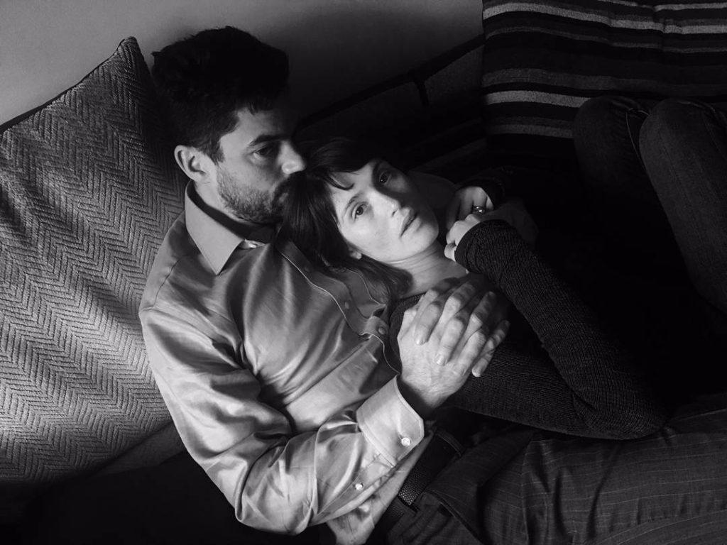Gemma Arterton e Dominic Cooper ieri sul set del film
