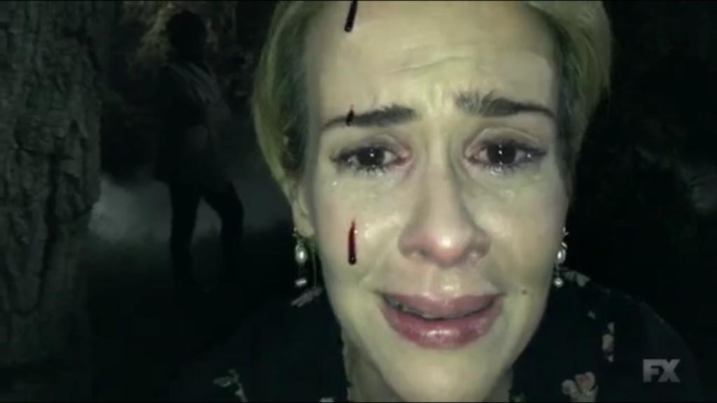 Sarah Paulson nel settimo episodio di 'AHS: Roanoke'